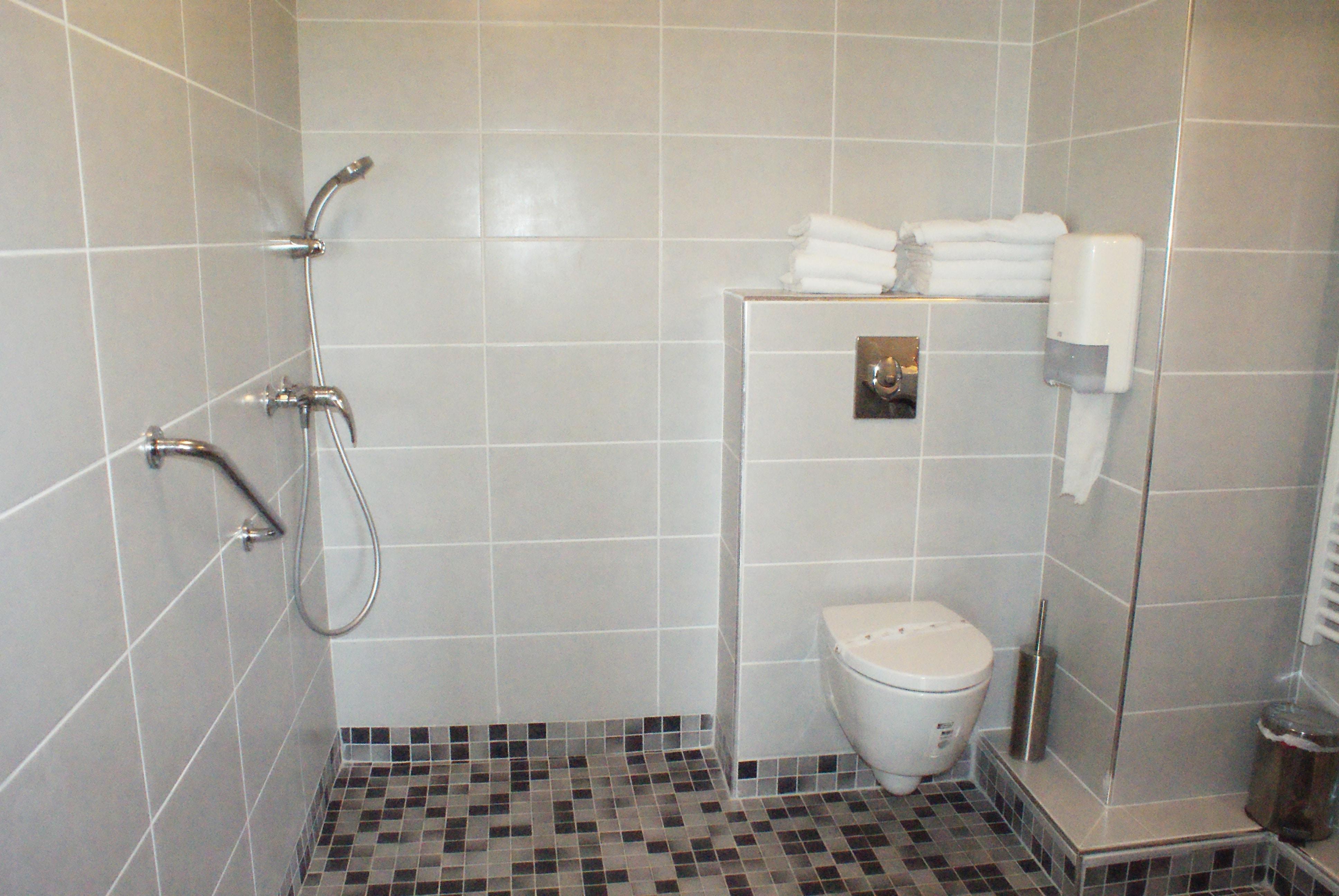 Douche de l'appartement Apart'Hotel sur Avignon
